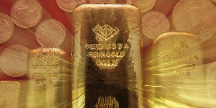 Altın Fed sonrası haftalık kazanca hazırlanıyor
