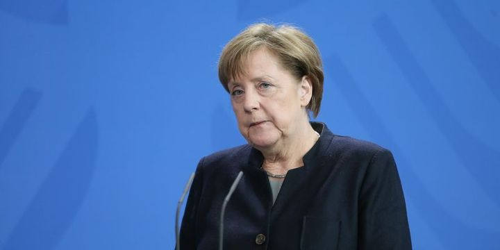 Merkel: Türkiye-AB müzakerelerinde referandum sonucuna göre karar verilmeli