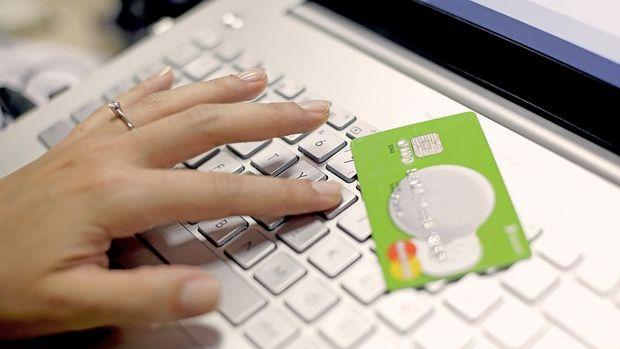 Online alışverişte ilk sırayı
