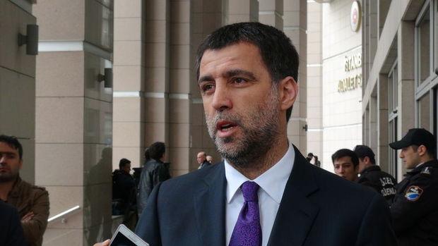Galatasaray Hakan Şükür ve Arif Erdem'in üyeliğini düşürdü