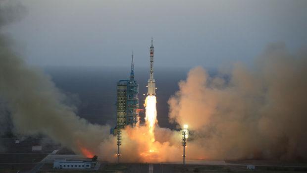 Çin, saniyede 20 GB veri transferi yapabilen iletişim uydusu fırlattı