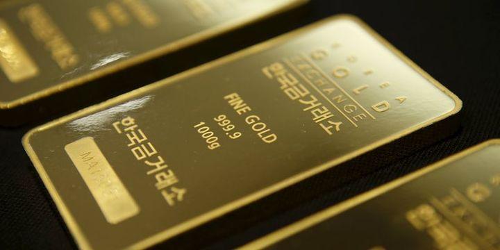 Altın 1 yılın en büyük haftalık kazancına yöneldi