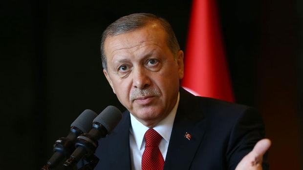 Erdoğan: Türkiye'yi 54 yıl AB kapısında bekletenlerin demokratlığı olamaz