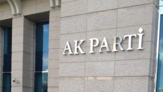 AK Parti, referandum sonuçlarını tartışıyor
