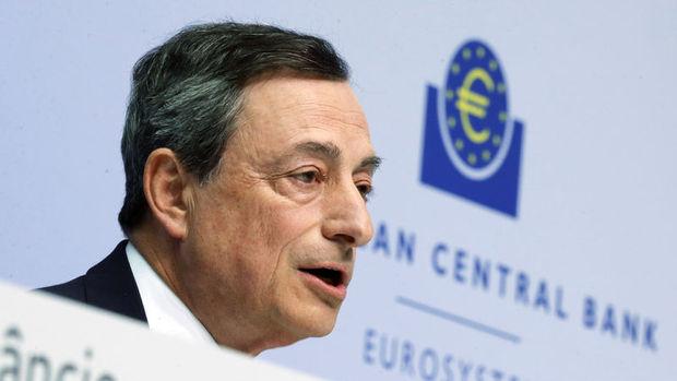Draghi: Ekonomiye yönelik aşağı yönlü riskler daha da azaldı