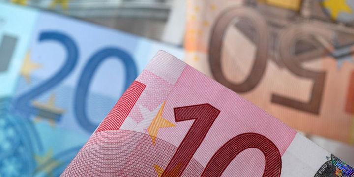 """Euro """"Draghi"""" sonrasında yeni en düşük seviyesine indi"""