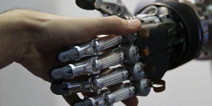 Robotlar ve insanlar maç yaptı