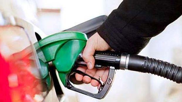 Benzin fiyatlarına bir indirim daha geliyor