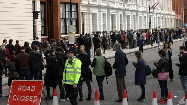 Birleşik Krallık'taki yerel seçimlerde Muhafazakar Parti oylarını artırdı