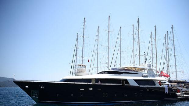 Milyon euroluk yatlar Marmaris'te sergileniyor