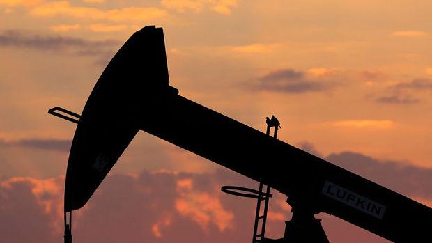 Petrol piyasada arzın azalmakta olduğu beklentisiyle yükseldi