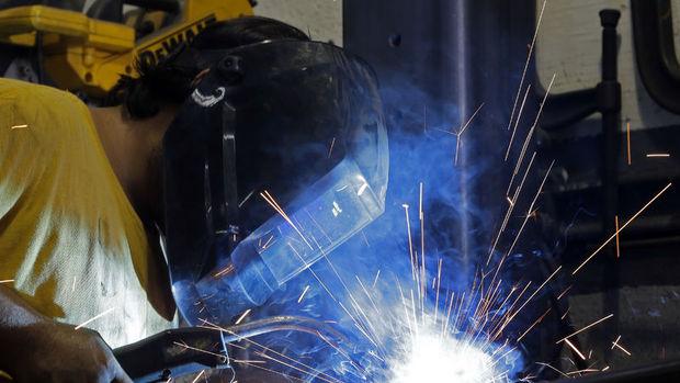 Sanayi Üretimi Mart'ta tahminlerin üzerinde arttı