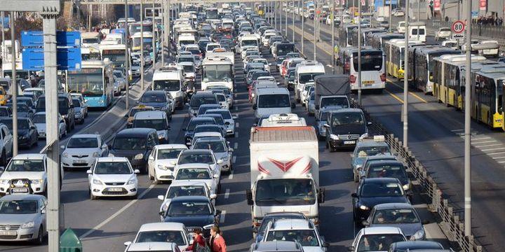 Trafiğe 3 ayda 272 bin 88 araç eklendi