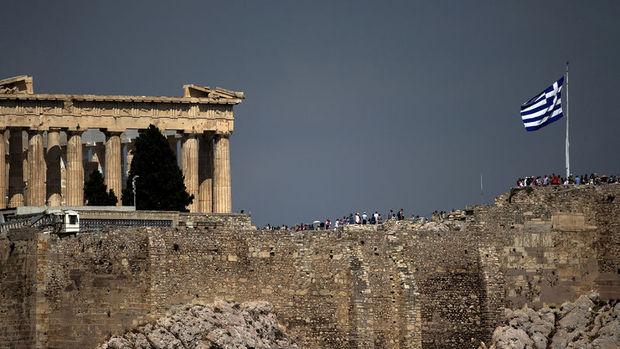 Yunanistan ekonomisi daraldı