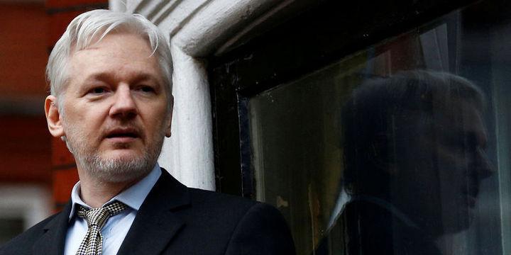 Assange hakkındaki tecavüz suçlaması düşürüldü