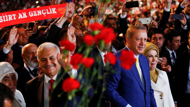 AK Parti MKYK'sına 19 yeni isim girdi