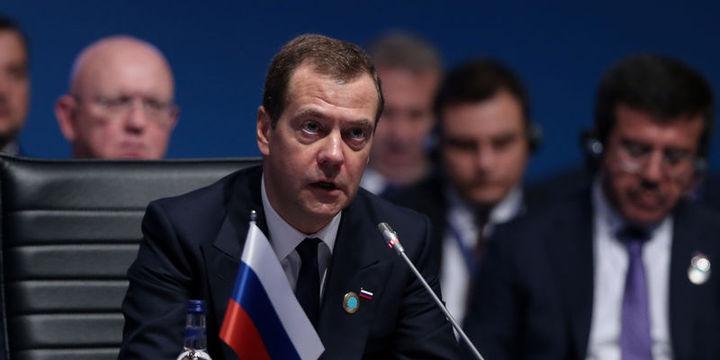 Medvedev: Kısıtlamaların kaldırılması domatesi kapsamıyor