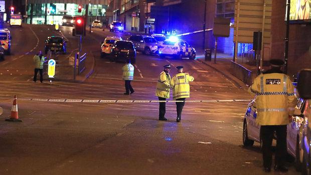 İngiltere'de Manchester Arena'da patlama: 22 kişi hayatını kaybetti