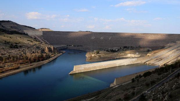 Enerji barajlarına gelen su geçen yılın 3'te 1 altında