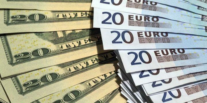 """Euro """"kısa vadeli riskler"""" ile dolar karşısında yönünü aşağı çevirebilir"""
