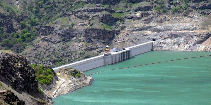 Serdal Adalı iki enerji şirketinin hisselerini satıyor