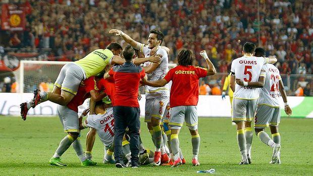 Göztepe Spor Toto Süper Lig'e yükseldi