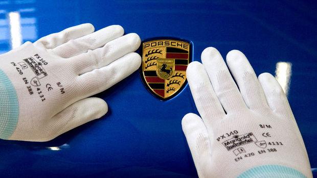 Porsche'ye yanıltıcı yazılım suçlaması