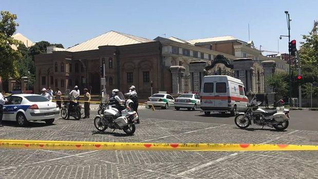 DEAŞ terörü ilk kez İran'ı vurdu: Çifte saldırıda 12 ölü