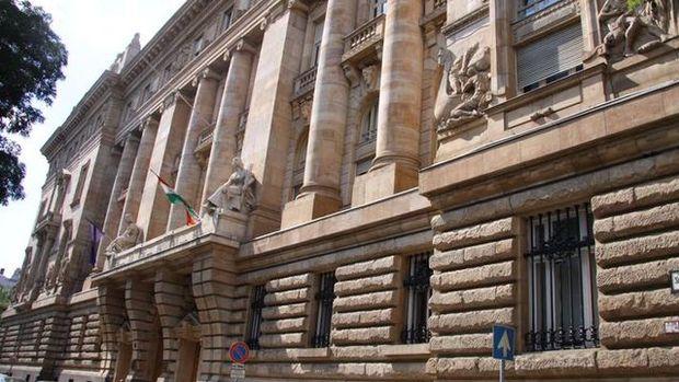 Macaristan Merkez Bankası faizleri yüzde 0.9'da tuttu
