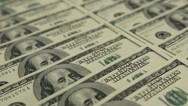 """Dolar """"şahin Fed"""" ile 2 ayın en iyi haftasına yöneldi"""
