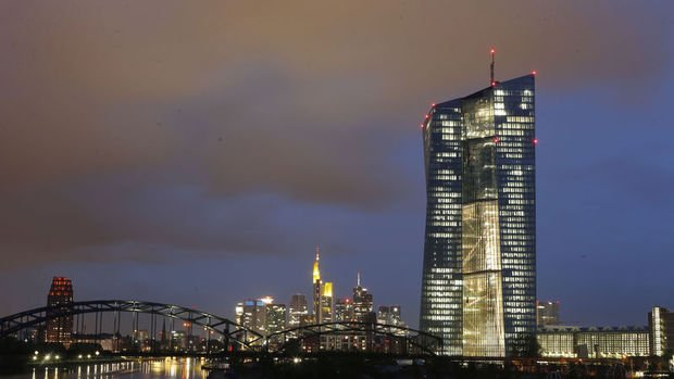 """Kaynaklar: AMB piyasanın Draghi'nin """"teşvik"""" yorumunu yanlış değerlendirdiğini kaydetti"""