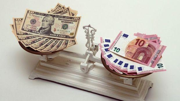 """Euro """"Draghi"""" sonrası dolar karşısındaki kazançlarını 3. güne taşıdı"""