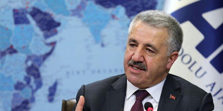 Ulaştırma Bakanı: Tablet yasağı Çarşamba kaldırılacak