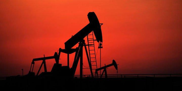 """Brent petrolü """"Rusya"""" haberi sonrası 50 doların altında"""
