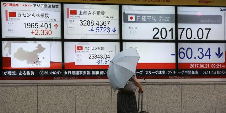 Hong Kong hisseleri dalgalı seyretti