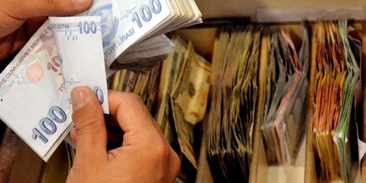 Dolar/TL istihdam sonrası düşüşe geçti