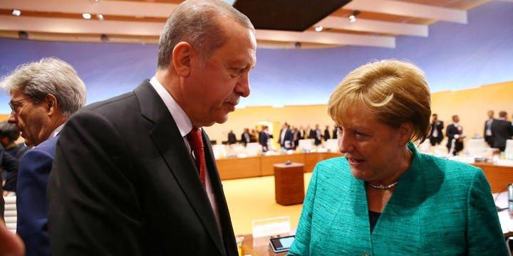 Merkel: Erdoğan ile bazı konularda görüş ayrılıkları var