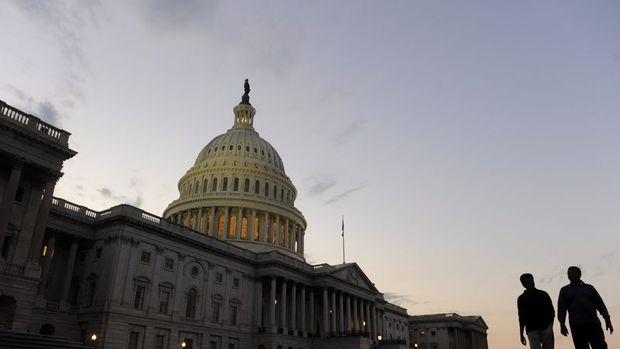 ABD Senatosu yeni sağlık reformunda ilk engeli aştı