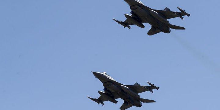 NATO jetleri 3 Rus uçağının önünü kesti