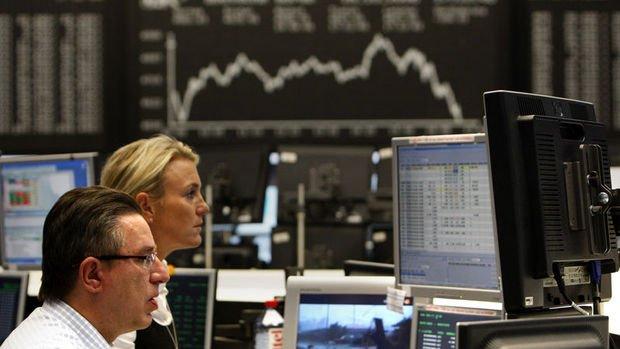 Küresel Piyasalar: ABD hisseleri karışık seyretti, dolar düştü