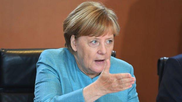 Merkel: Türkiye'yle tansiyon düşmedikçe Gümrük Birliği güncellenemez