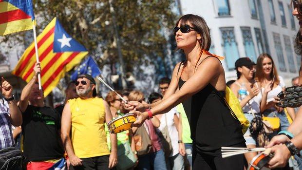 Katalonya krizi İspanya'nın zenginliğini riske sokuyor