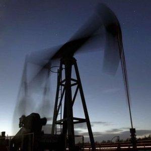 OPEC KÜRESEL PETROL TALEBİ TAHMİNLERİNİ YÜKSELTTİ