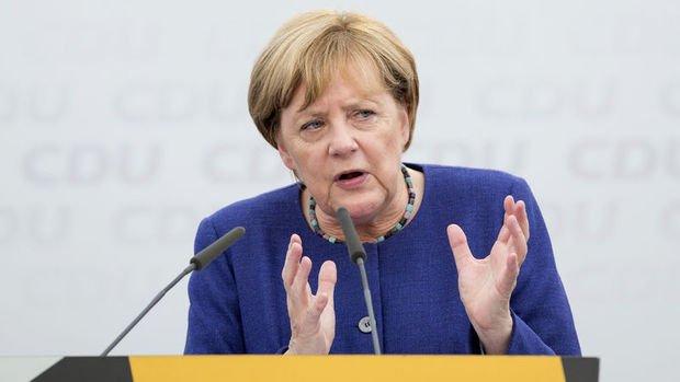 Merkel: Türkiye'ye silah satışı tamamen durmamalı