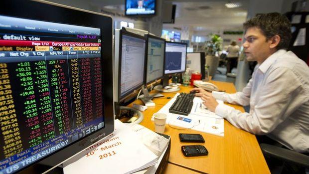 Küresel Piyasalar: Hisseler rekor seviyelere geldi, dolar kazançlarını korudu