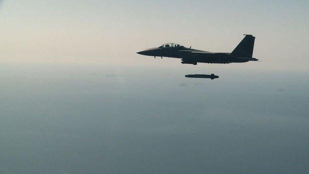 Güney Kore ilk kez bir savaş uçağından gerçek füze ateşledi