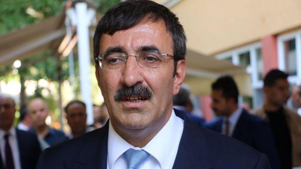 Yılmaz: Türkiye'nin OVP tahmininin üzerinde büyümesi bekleniyor