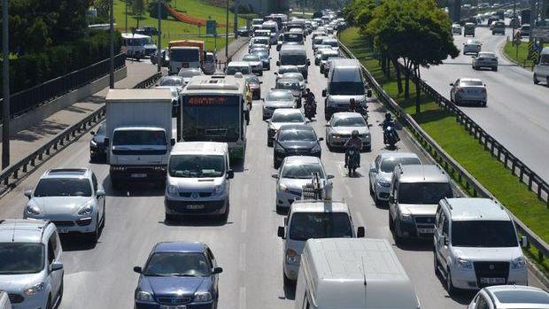 Türkiye'de 7 kişiye bir otomobil düşüyor