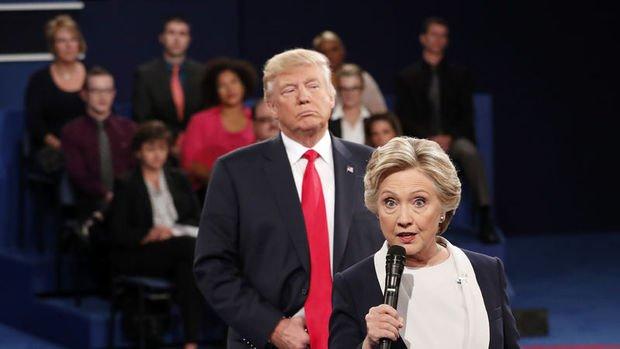 Clinton: Trump demokrasi için açık tehlike oluşturuyor