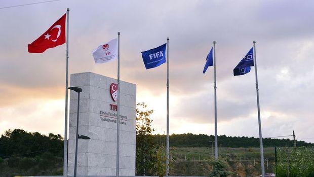 TFF, Fatih Terim'in tazminatı ve yabancı sayısı için toplandı